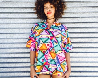 Vintage Pyramid Bright Button Up