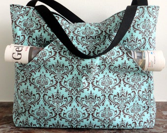 Reversible schoulderbag // black dogs // blue damask // diaper bag // laptop bag // handbag // schoolbag