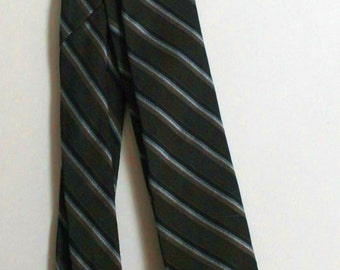 Mid Century modern skinny tie charcoal gray with diagnonal stripes 1950s