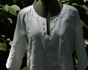 60s 70s Mexican Wedding Dress / Hippie / Boho / Embroidery/ White/ Peacocks/ Cotton Size Large