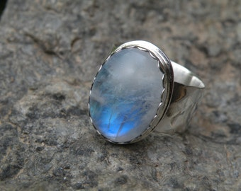 Moonstone Ring with wide faceted band Size