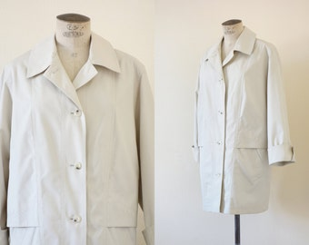 Emma trench | Beige short trench coat | 1990's by Cubevintage | Large