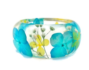 Size Small Blue and Yellow Hydrangea and White Baby's Breath Resin Bangle Bracelet - Hydrangea Cuff  -  Resin Bracelet
