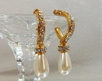 FALL SALE Vintage Rhinestone Earrings. Faux Pearl Teardrops. Wedding. Bride.