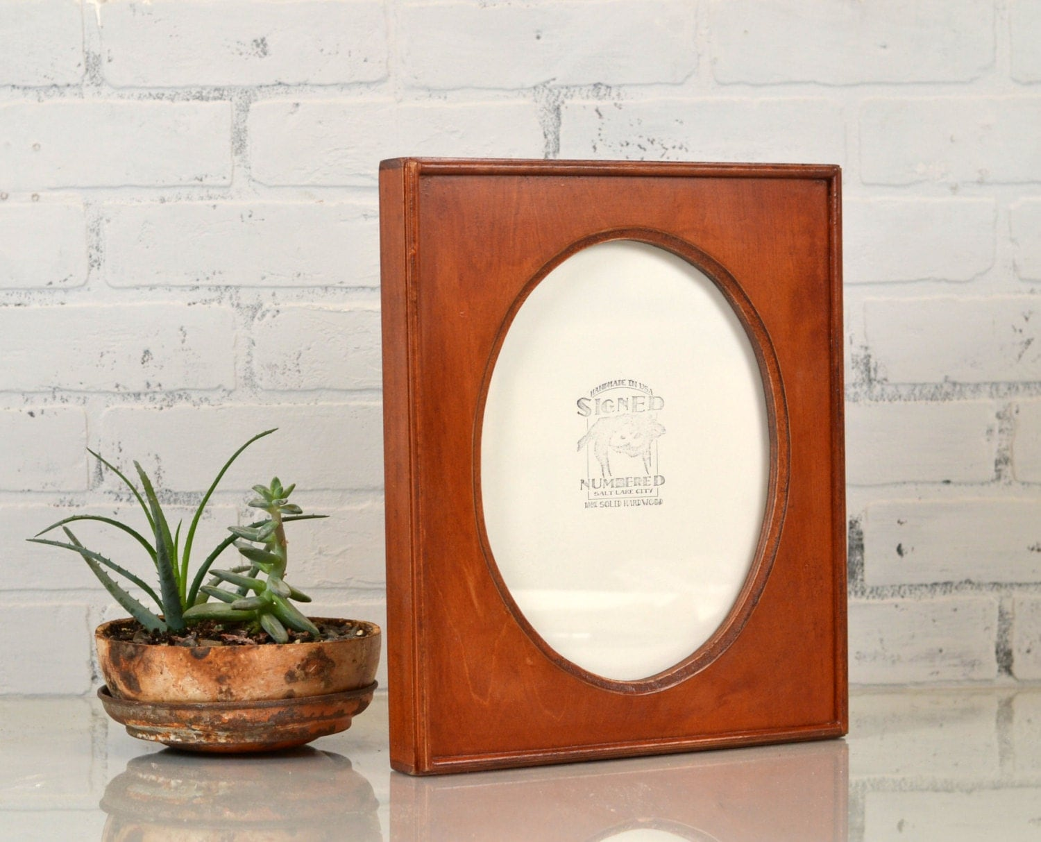8x10 oval opening picture frame with rounded ridge edge. Black Bedroom Furniture Sets. Home Design Ideas