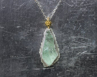 Rough Blue-Green Aquamarine Icicle Crystal Necklace 22k Yellow Gold Sterling Silver Blue Raw Natural March Birthstone Small Sun- Eiszapfen