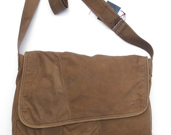 Natural brown messenger bag padded, Reused leather