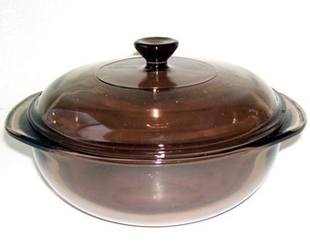 Pyrex Visions Amber 2 quart 024 Covered Glass Baking Casserole Dish, Farm House Rustic, Country Cottage, Kitchen Class, Pyrex  Oven
