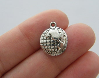 10 Globe charms antique silver tone WT126