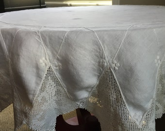 """52"""" TABLECLOTH Round white fine cotton w Crocheted Pointed Edging"""