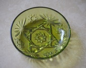 """Small Fruit Bowl -Vintage Anchor Hocking Oatmeal Pattern Glass Dish-Green """"Star of David"""" Glass Dish-Small Candy Dish-Small Nut Dish-60s"""