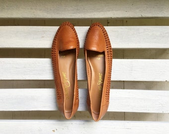 vintage brown leather slip on flats, slip ons, slides, womens shoes size 7 and a half