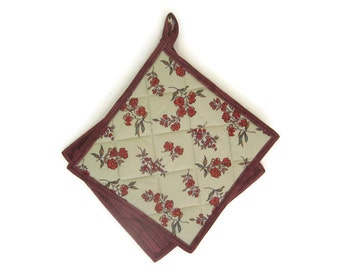 """Quilted Potholders """"Rustic Floral"""" Set of 2 Floral Potholders, Quiltsy Handmade, Fabric Hotpads"""