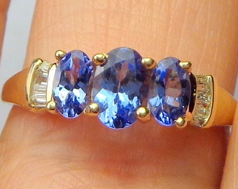 Sz 8.24,Tanzanite, Diamond, 10k Solid Yellow Gold, Three Stone Ring, Great Gift for Wife, or Mom, Estate Ring, Gemstone Jewelry