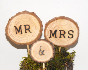 Rustic Wood Wedding Cake topper ~ Mr & Mrs sign, Barn wedding decoration, Wood Slice Cake Topper ~ Woodland wedding, Forest celebrations