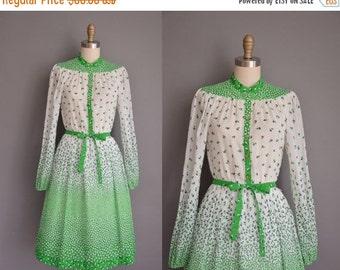 25% off SHOP SALE... vintage 1970s dress/70s leaf print dress / 70s cotton Susan Howard dress