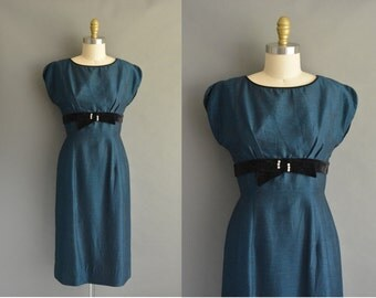 vintage 1950s dress / 50s midnight blue polished silk cotton vintage wiggle dress