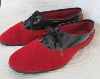 REDUCED PRICE Red & Black Patent Oxfords, Flats, Lace Up Shoes 2-Tone Excellent Size 7 1/2 US