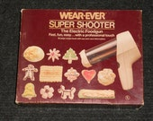 Vintage Wear-Ever Super Shooter-The Electric Foodgun-No. 70123-NICE!!