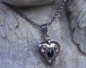 Vintage Sterling Silver Onyx Mexican Taxco Heart Locket/ 30 Inch Beaded Sterling Silver Chain