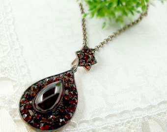 Impressive Vintage pearshaped garnet locket in Victorian style || ГРАНАТ#PK