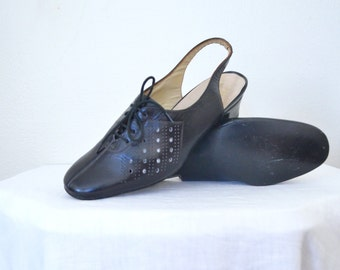 1960s black patent leather sling backs // oxford simple short heels // size 7