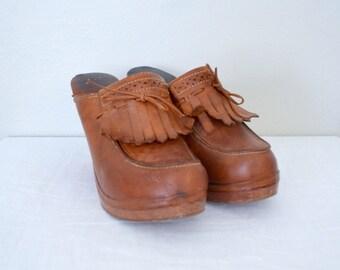 1970s brown leather high heel mules // platform keltie heels clogs retro boho hippie // size 8 9