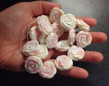 Carved pink conch shell rose 22 mm, one piece, European based shop