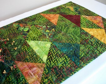 Batik Table Runner Green Volcano Quilted Triangles Quiltsy Handmade FREE U.S. Shipping