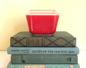 Vintage Red Pyrex Refrigerator Dish with Lid, Food Storage, Vintage Kitchen