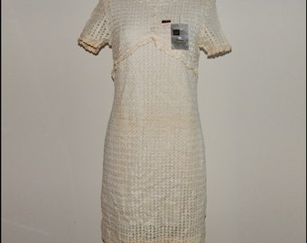 Dead Stock Off White Crochet Knit Dress Bust up to 36 Waist 32 Hip up to 38 size 10 or size M