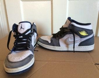 Nike Air Jordan 1 AJ1 Hi Top Sneakers size 9.5 White Gray Old Repro