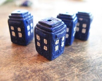4 Large Tardis Beads - Doctor Who - AB672