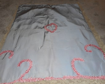 Vintage Pin Pink and Blue Baby Coverlet with Pink Ribbonwork Swirl Hearts (FFs5079)