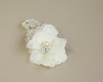 Wedding hair comb, wedding headpiece, Floral hair comb, Wedding hair accessories,Ivory Lace hair comb,Wedding Bridal hair flower comb
