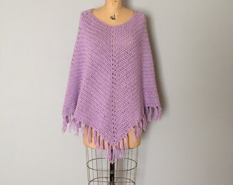 SALE...lilac knitted poncho | 70s fringed cape