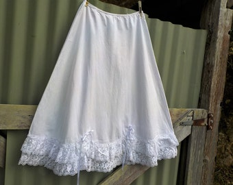 french country white cotton + broderais lace skirt, vintage upcycled, small
