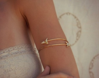 XMAS IN JULY Arm Band /// Upper Arm Cuff /// Lux Divine Double Shark Tooth Wrap Gemstone Arm Wrap/// Gold or Silver