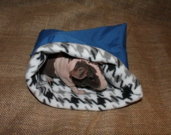Medium Blue Houndstooth pouch for small pets. guinea pigs. rats. rodents.