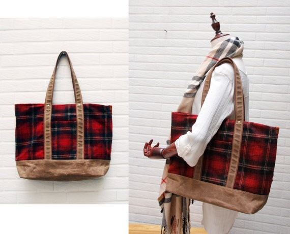 SALE-Waxed canvas tote / Diaper bag / Messenger bag Work bag /  Men messenger / Travel bag/Woolen bag
