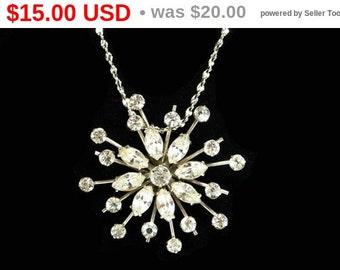 Vintage Krementz Snowflake Pendant -  Silvertone chain and pendant Vintage Necklace