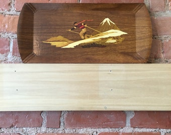 Retro Printed Wood-look try with Skiier and mountains // gift ideas // wintersports
