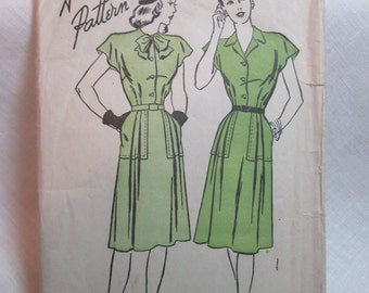 "Antique 1946 Advance Pattern #4178 - size 38"" Bust"