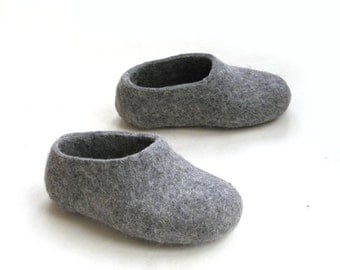 ON SALE 15% OFF Kids Felt merino Slippers Grey. In Case of Cold Feet. Non slip sole. Ecological. Various colors. Custom made all sizes for K