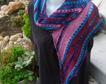 Asymmetrical wool scarf in berry colors