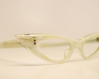 Unique Small NOS White Pointy Vintage Cat Eye Glasses cat eye glasses vintage cateye frames eyeglasses NOS