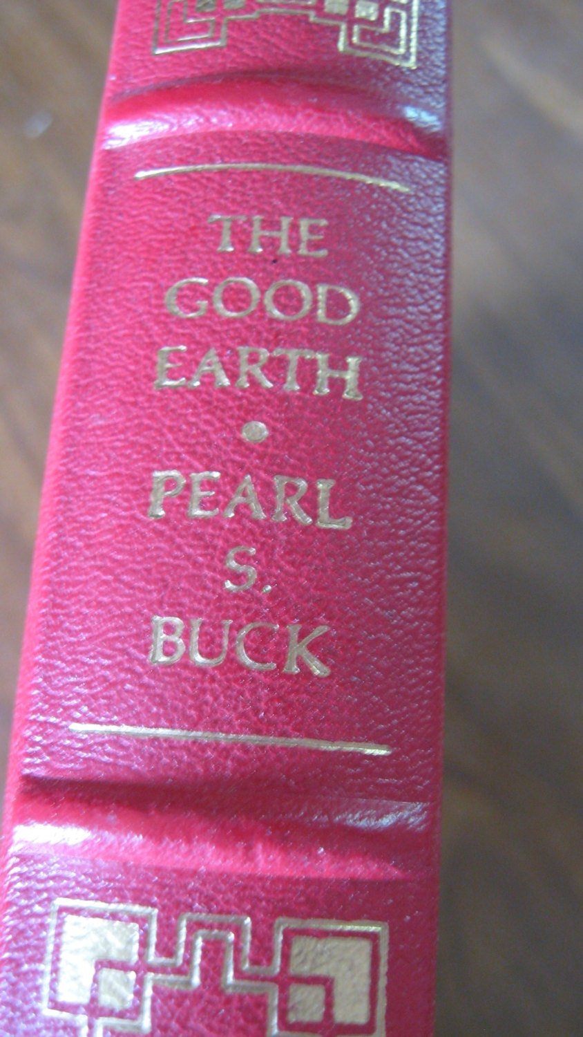 a review on the good earth by pearl s buck The good earth, based on pearl buck's sprawling novel, is the story of a chinese farming couple whose lives are torn apart by poverty, greed and nature.