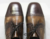 Size 5 Men's Dress Shoes - Authentic 1960s Brown Two Tone Leather Oxfords - 60s Retro Mens Shoe - 60s Deadstock in Box - 45953-1