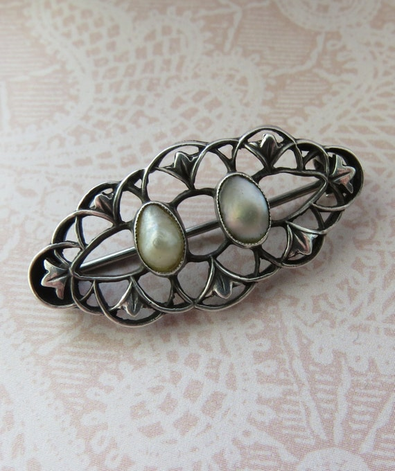 ANTIQUE William Haseler Liberty & Co Blister Pearl SIlver BROOCH