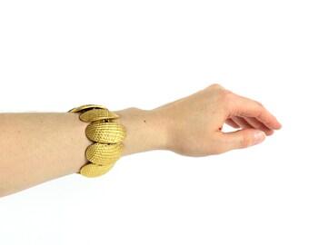 VINTAGE 1960s Gold Shell Bracelet Metal